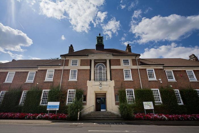 Бедлам - старинное название Вифлеемской психиатрической больницы в Лондоне